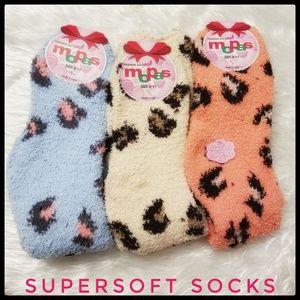 3 Pair Super Soft Cheetah Socks NWT